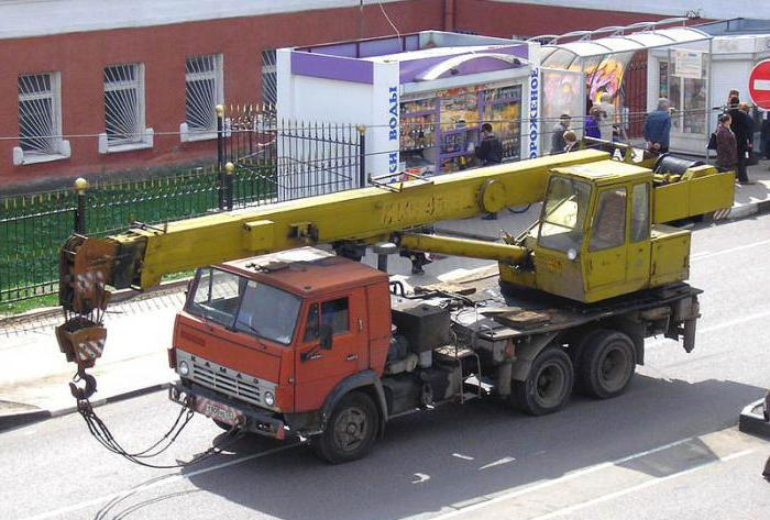 Автокран КамАЗ-53213