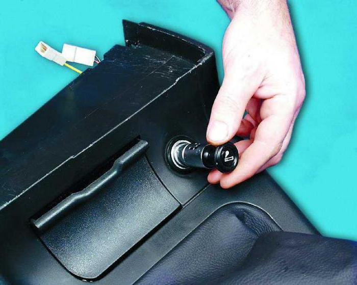 Как вытащить прикуриватель ВАЗ 2110