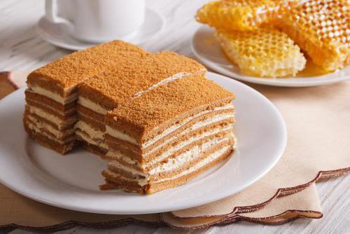 сколько калорий в торте с кремом