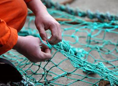 вязание рыболовных сетей