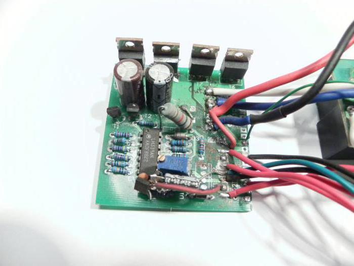 компаратор напряжения на микроконтроллере