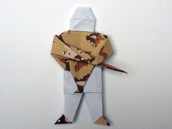 как сделать солдатика из бумаги оригами