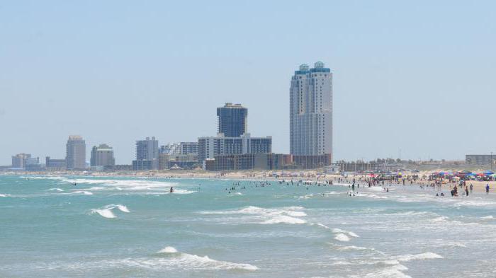 Где находится самый длинный пляж в мире
