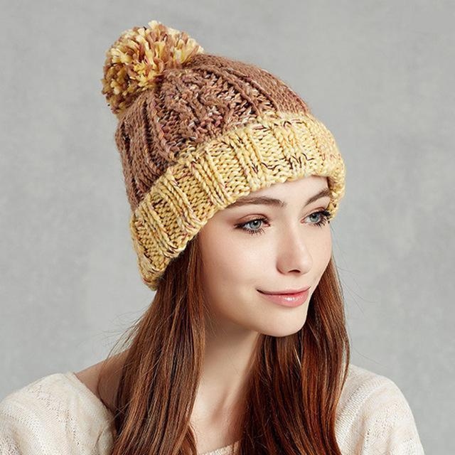 шапка с отворотом спицами женская