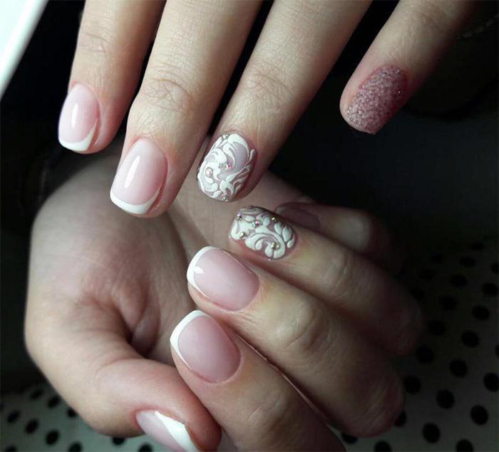 маникюр в розовых тонах на короткие ногти