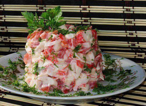 салат королевский с сухариками и сыром