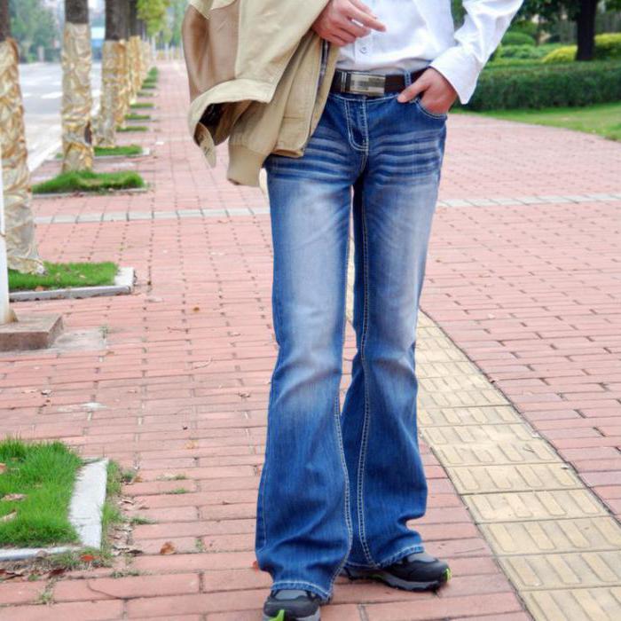 джинсы расклешенные к низу