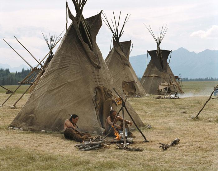 типи - переносное жилище индейцев