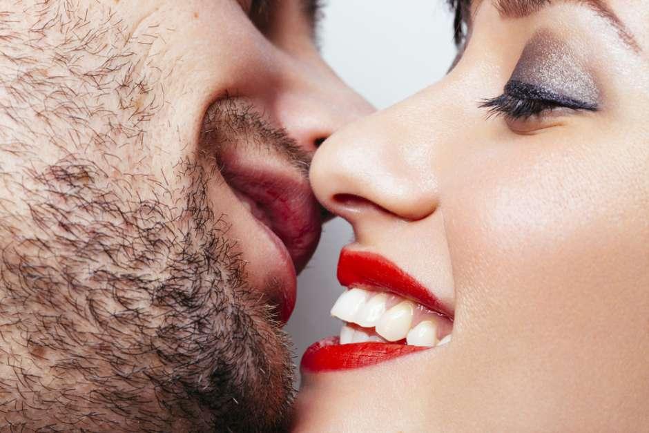 Как сделать первый секс незабываемым?