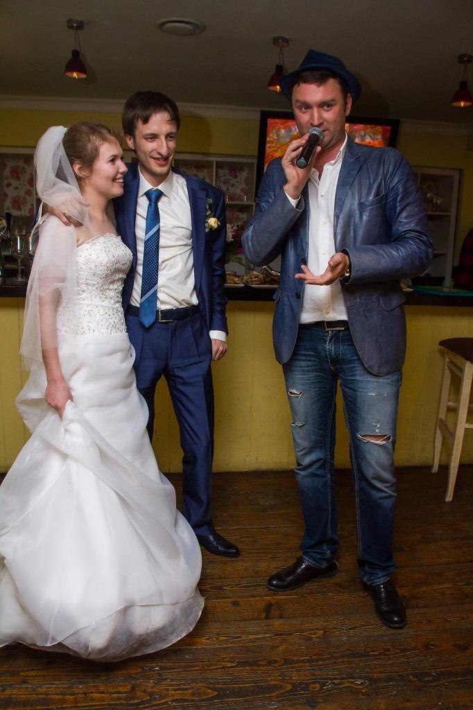 Николаев ведет свадьбу