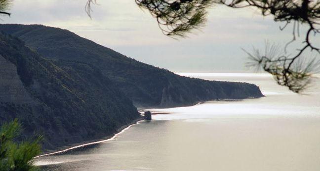 Черноморское побережье у мыса Идокопас