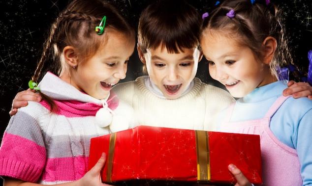 Что подарить ребенку на год