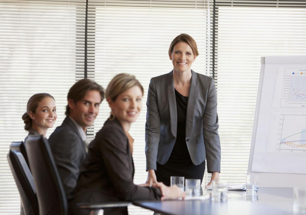 менеджер на совещании