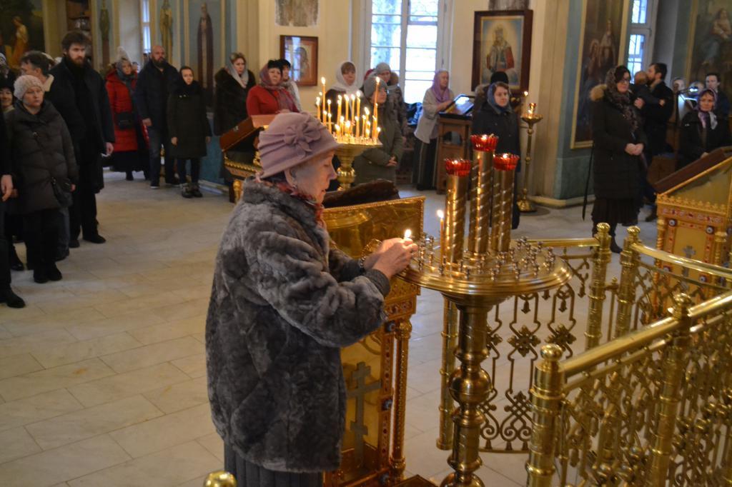 служба в праздник 7 декабря
