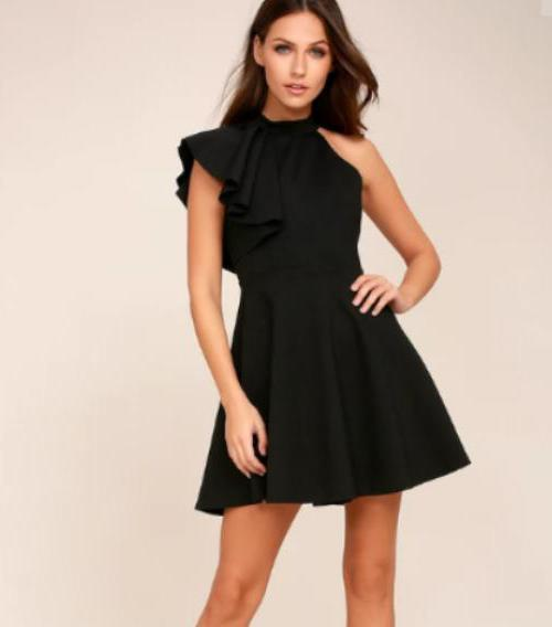 Платье с проймой на одно плечо