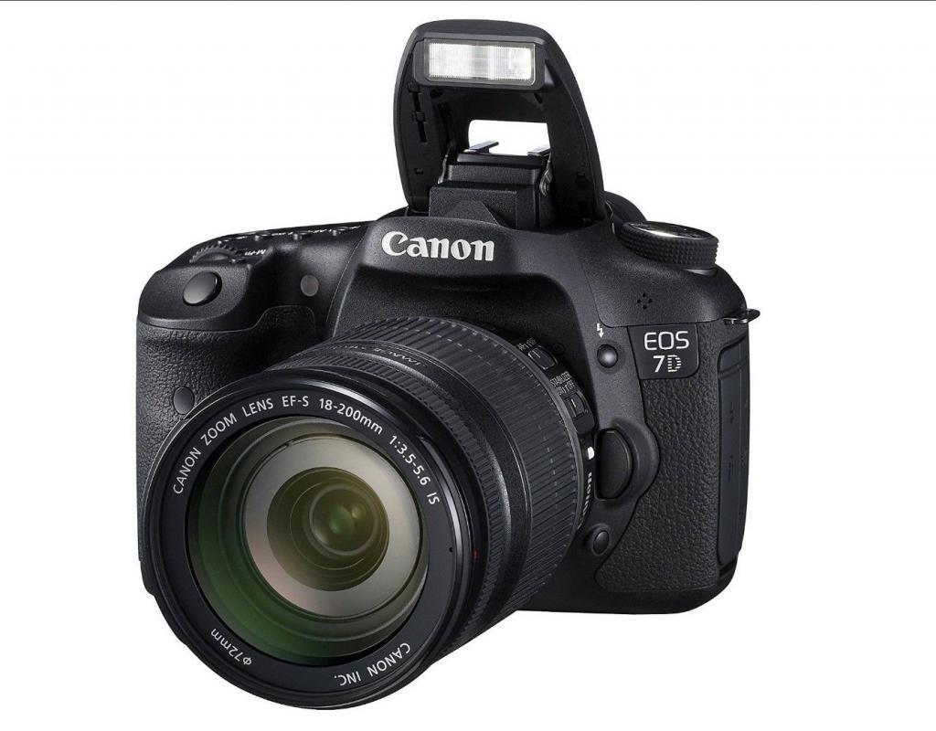 объектив Canon 18 200 на фотоаппарате