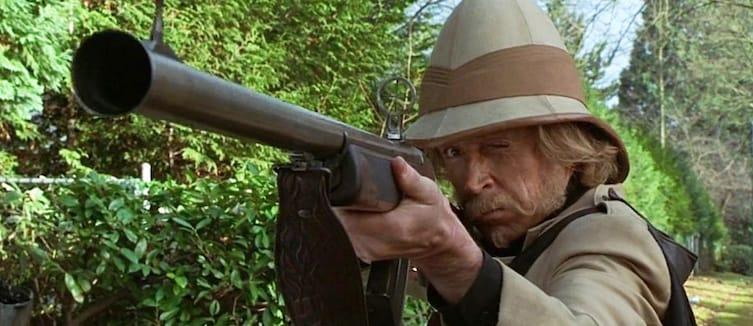 кадр из фильма с Джонатаном Хайдом