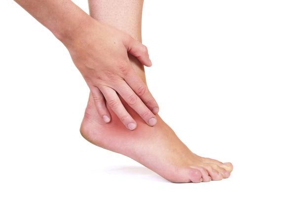 лечение отечности ног у пожилых людей