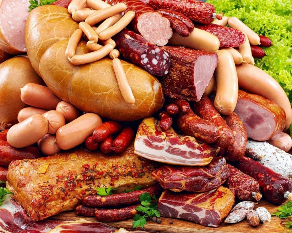 Виды колбасы, сосиски, копчености