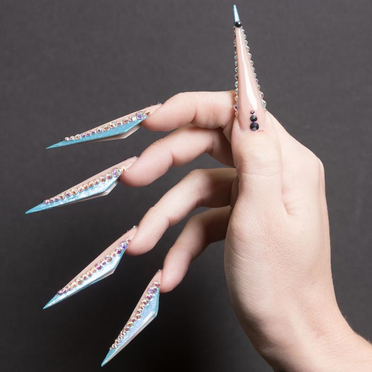 Вид ногтей сбоку