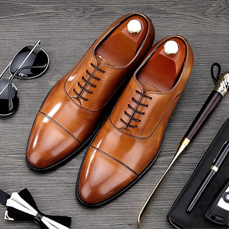 кожанные туфли под костюм серого цвета