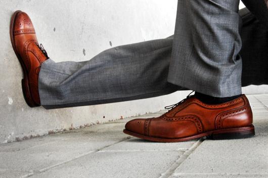 С чем одеть серые мужские туфли