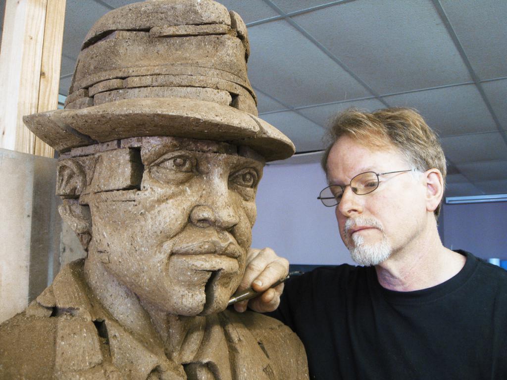 чем полезна профессия скульптора обществу