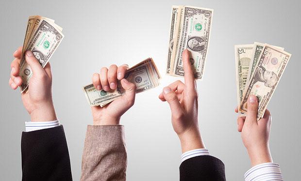 Перевод денег другим людям