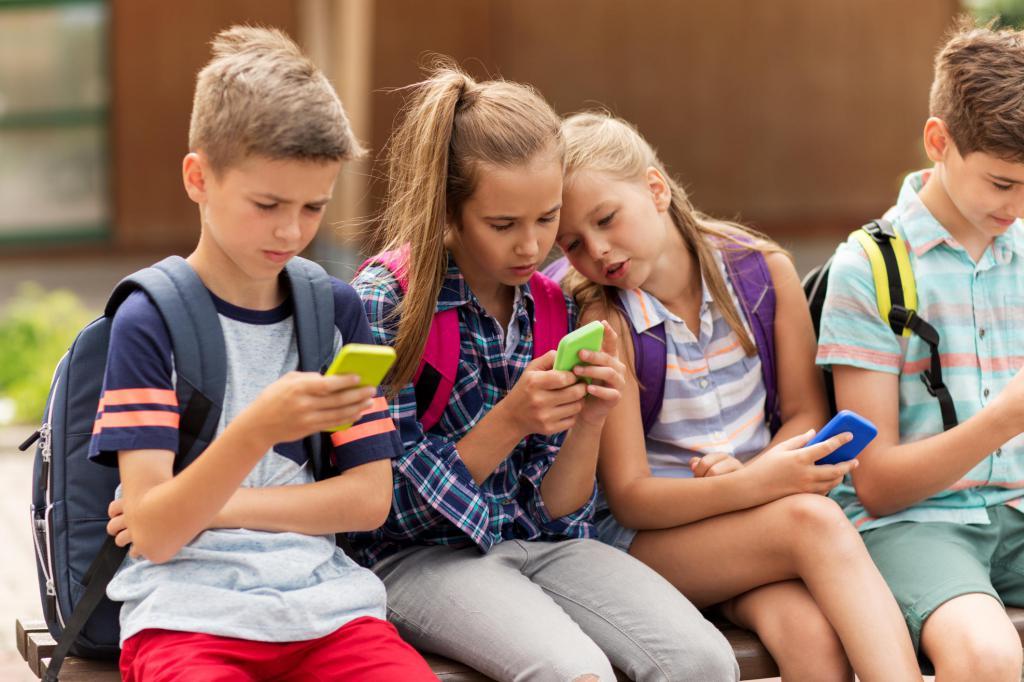 Вред и польза телефонов для детей