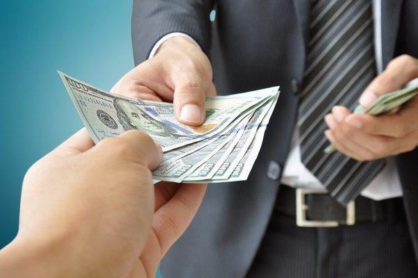 деньги и власть портят людей