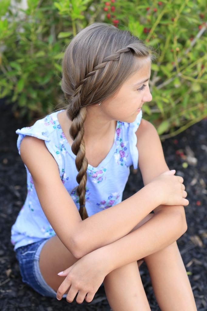 красивая коса из 2 прядей