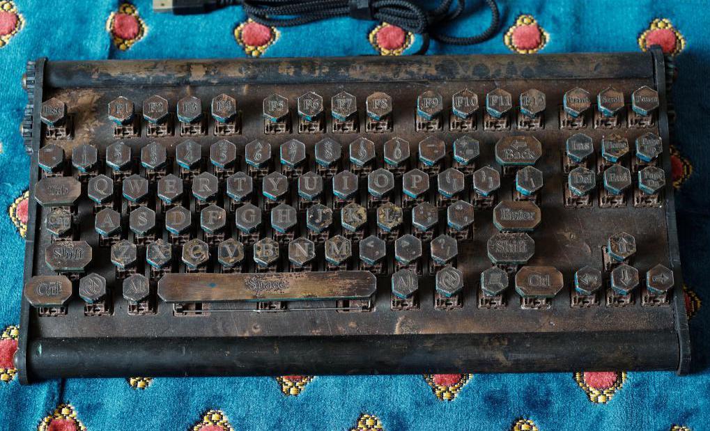 самая дорогая клавиатура Datamancer Custom Keyboard