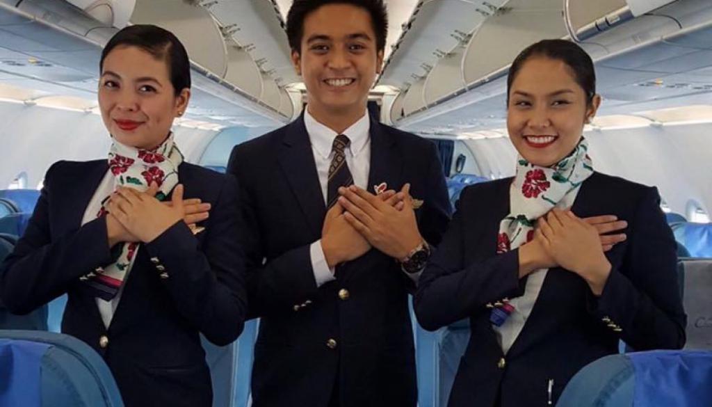 что нужно чтобы стать стюардом на самолете