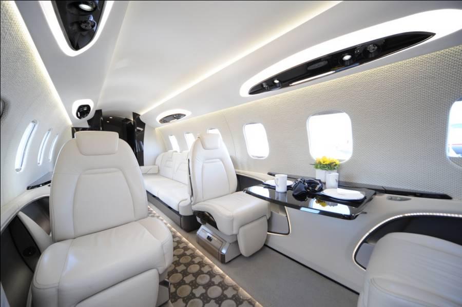 Салон Learjet 85