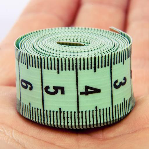 сантиметр на руке