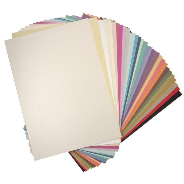 листы бумаги А4