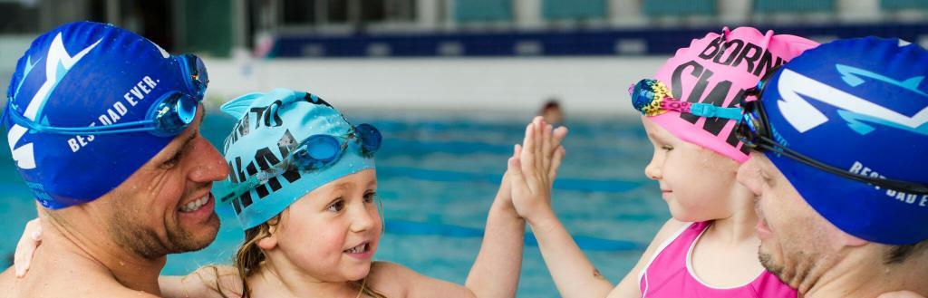 как правильно надевать шапочку для плавания ребенку