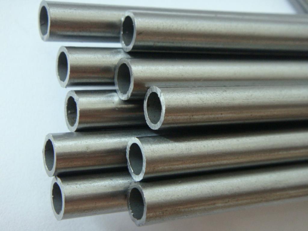 Бесшовные трубы из жаропрочной и жаростойкой стали