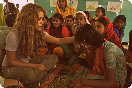 Шакира на благотворительности