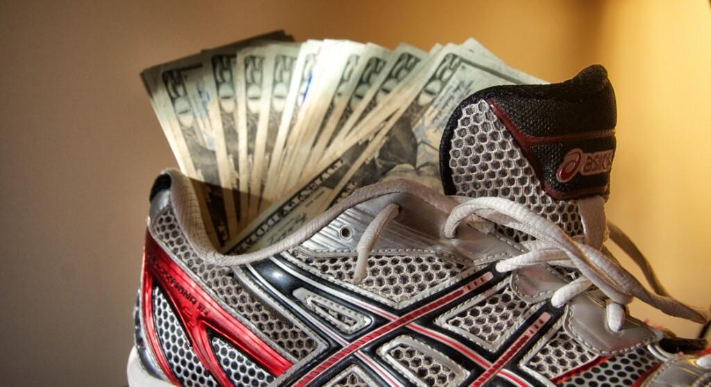 Куда можно спрятать деньги дома