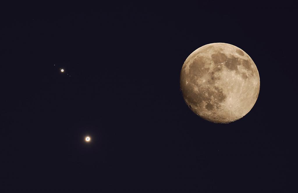 Юпитер в космосе