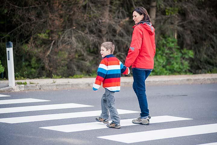 Двиджение по пешеходному переходу