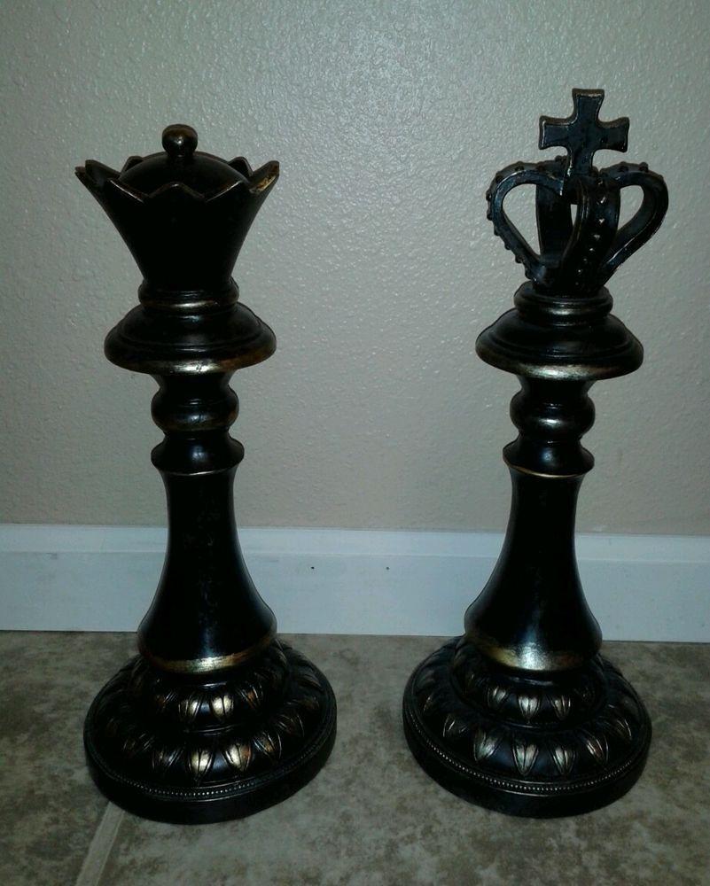 где стоит король и королева в шахматах