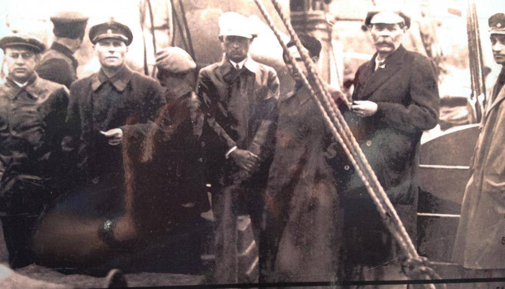 Максим Горький и представители руководства лагерей
