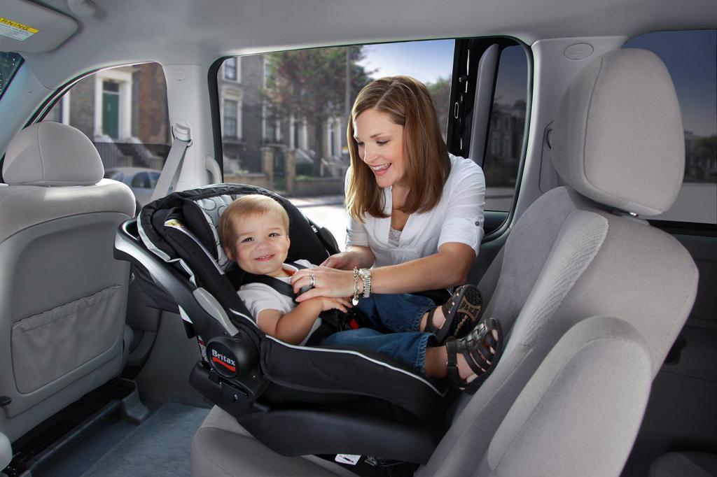 как правильно установить автолюльку для новорожденных