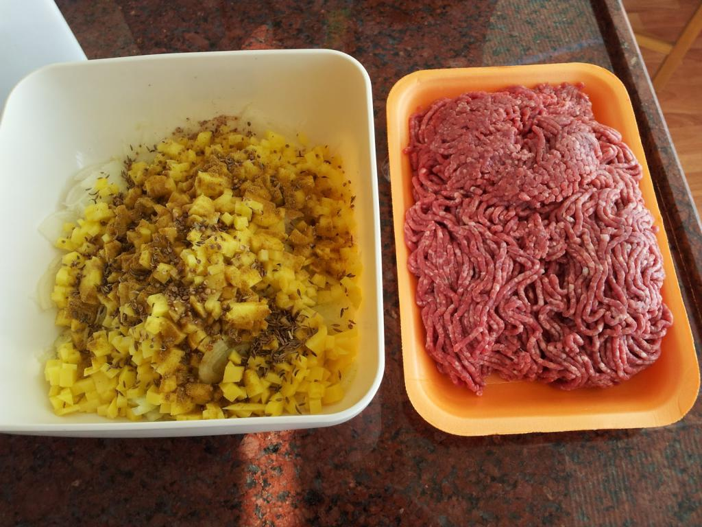 манты с картошкой и фаршем