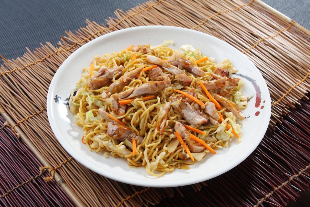тарелка с китайской едой