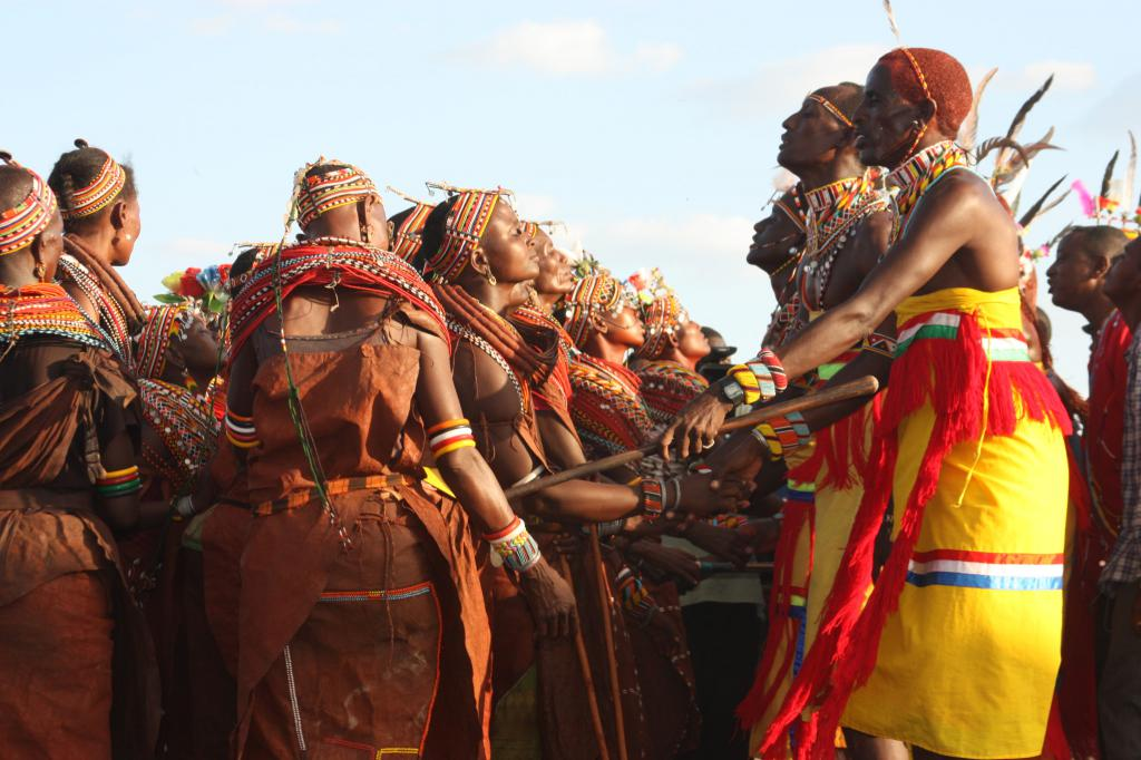 history and traditions of the african History and ethnic relations emergence of the nation south africa has early human fossils at sterkfontein and other sites the first modern inhabitants were the san (bushman) hunter-gatherers and the khoi (hottentot) peoples, who herded livestock.