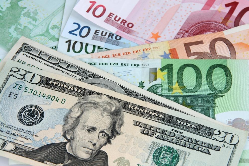Две главные свободно конвертируемые валюты мира