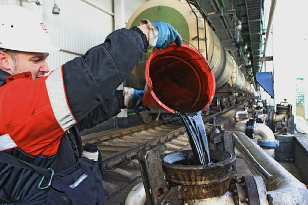 Нефть - основной индикатор курса рубля